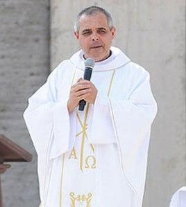 Padre Luis Fernando Soares, pároco na Paróquia Espírito Santo, em São José dos Campos (SP)